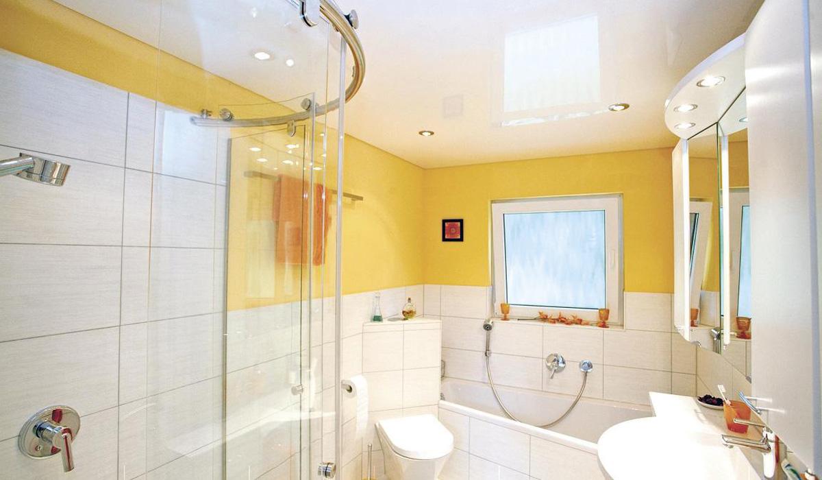 Какой потолок сделать в ванной комнате? Примеры с фото 15